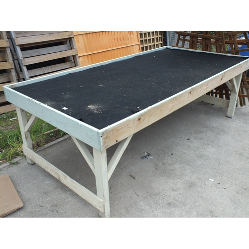 9a - Large potting Table...