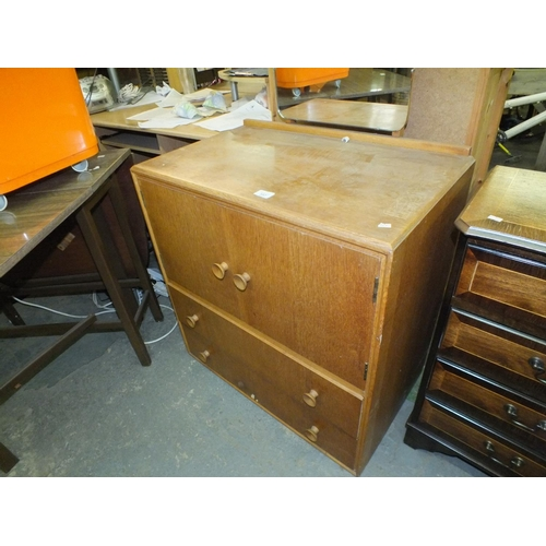 357 - Small 1960's meredew dressing table...