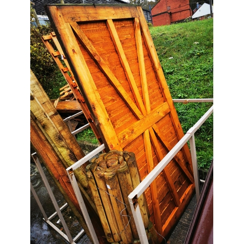5 - Ledge and brace garden gate approx 6' x 3'...
