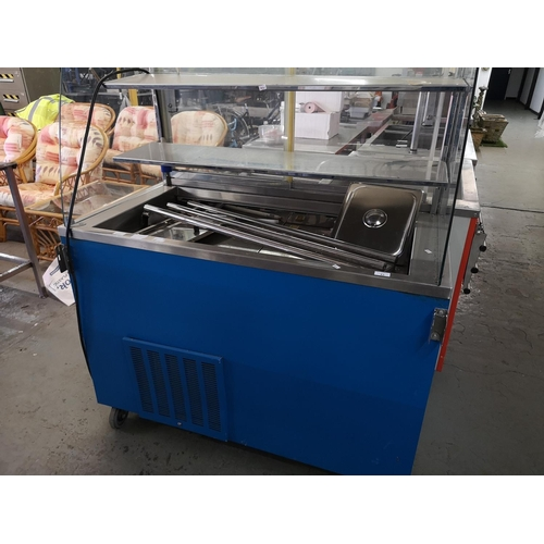 43 - Heated catering service unit...