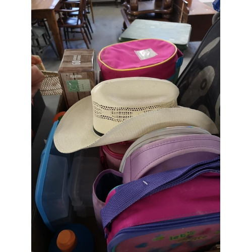 409 - Collection of miscellaneous including children's rucksacks/sandwich boxes etc...