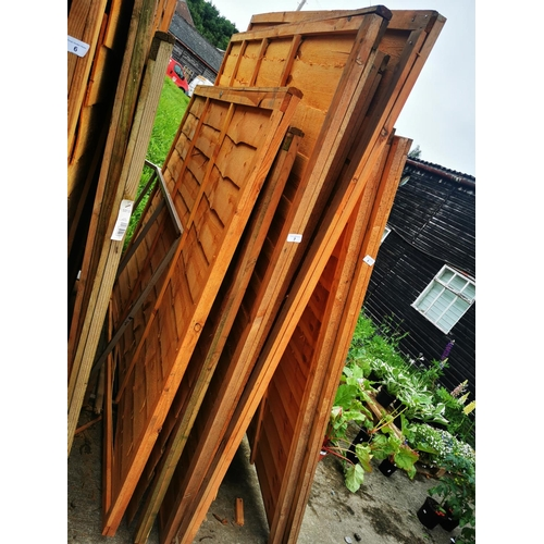 7 - Three 6' x 6' and two 6' x 5' fence panels....