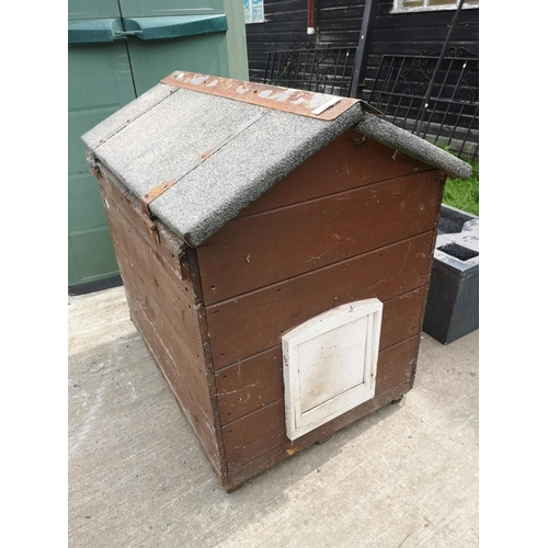43 - Wooden Dog kennel approx. 3ft x 2ft...