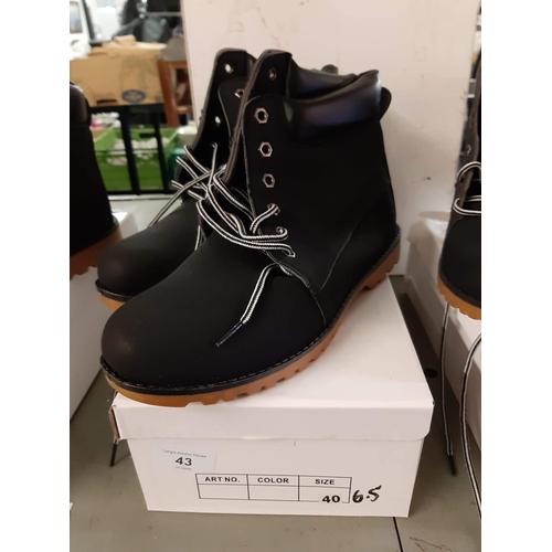 43 - Black lace up ladies suede effect boots size 6.5...