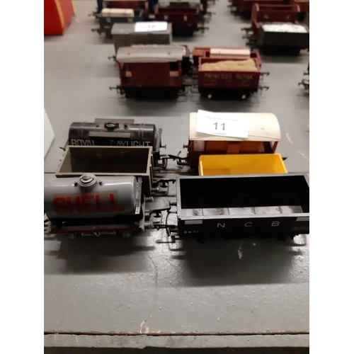 11 - Five wagons and a break car HO/OO Scale