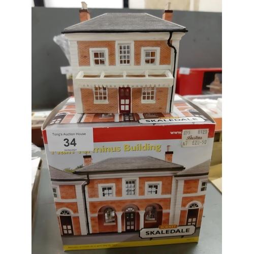 34 - Boxed Hornby OO Skaledale  main Terminus building
