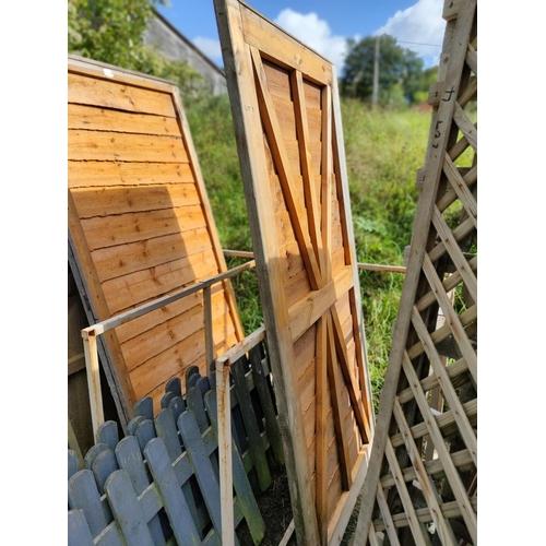 3 - Quality wooden shiplap garden gate excellent condition