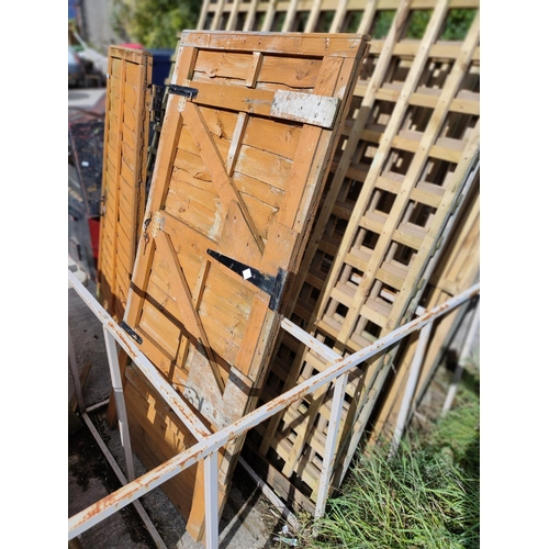 11 - Solid lapped garden gate with fittings, hinges, key-good order
