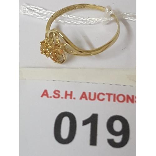 19 - 9ct GOLD MARQUIS CITRINE And DIAMOND STONE SET RING...