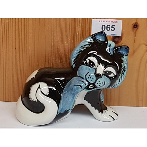 65 - LORNA BAILEY MODEL OF PAWS THE CAT Signed By Lorna Bailey...