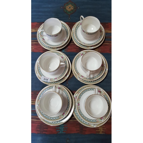 18 - PARAGON CHINA 18 Piece Part TEASET IN THE BURFORD DESIGN...