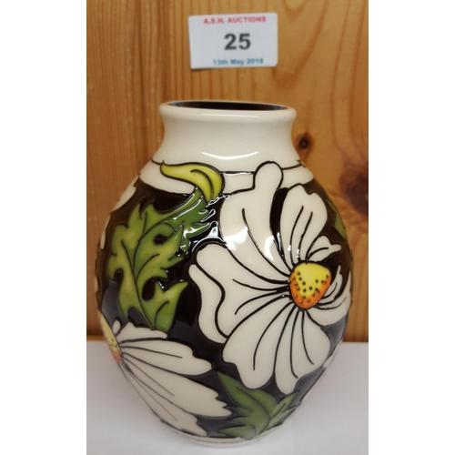 Moorcroft Vase Shape 35 In The Phoebe Summer Design Rrp 230
