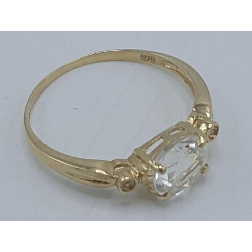 26 - 9ct GOLD WHITE TOPAZ And DIAMOND STONE SET RING...