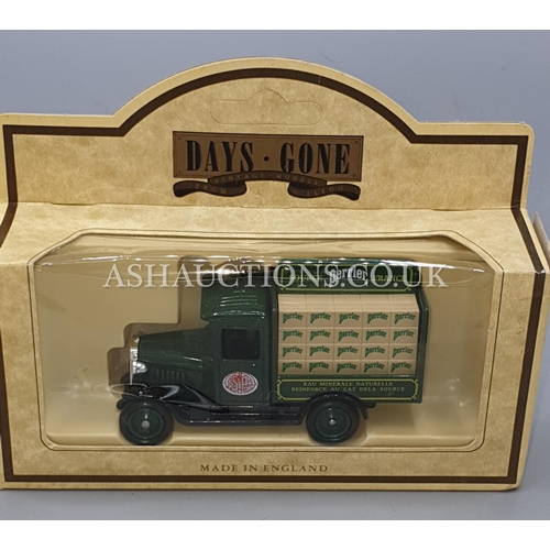 10A - LLEDO DIE CAST METAL MODEL OF A  1920 MODEL 'T' FORD VAN 'ROWNTREES COCOA' (Model No 6096) From The ...