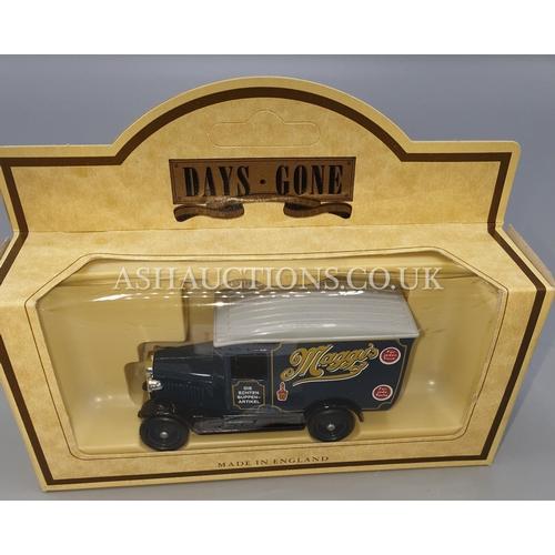 15A - LLEDO DIE CAST METAL MODEL OF A 1934 MACK TANKER 'REGENT OIL' (Model No 42002) From The DAYS GONE SE...