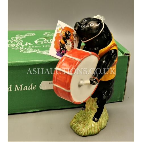 617 - BESWICK 12.1cm CHARACTER MODEL OF A LARGE BLACK PIG