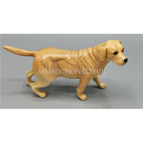 46 - BESWICK MODEL OF A GOLDEN RETRIEVER...