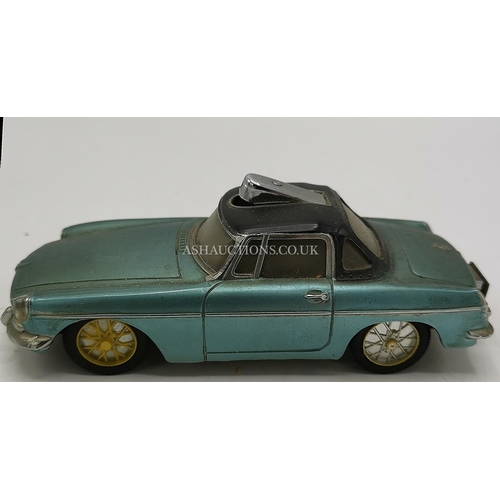 29 - CIGARETTE LIGHTER IN THE FORM OF A CAR...