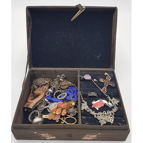 735 - BOX CONTAINING A Qty Of COSTUME JEWELLERY Including BIKE CHAIN BRACELET,WATCH RING,Etc...