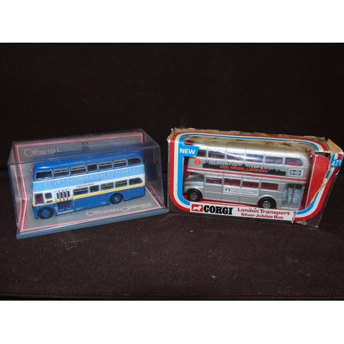 5 - Two boxed limited edition Corgi buses Models : 471 & 41907....