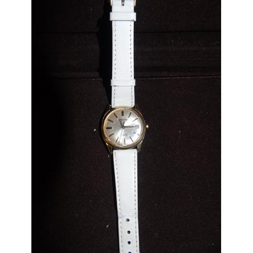 58 - A vintage men's Sekonda watch...
