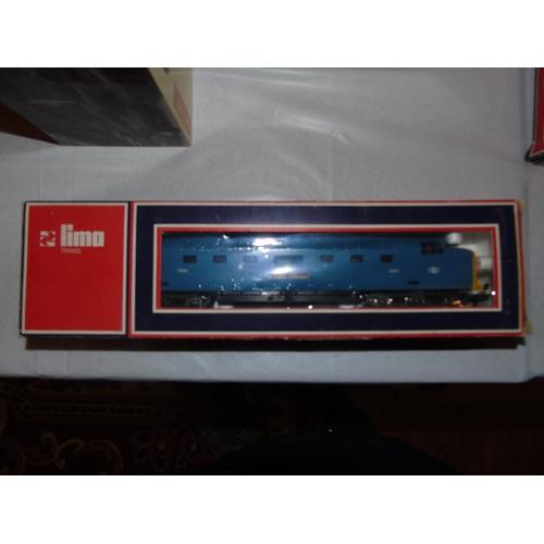 43 - A boxed Lima OO gauge locomotive 5106MW...
