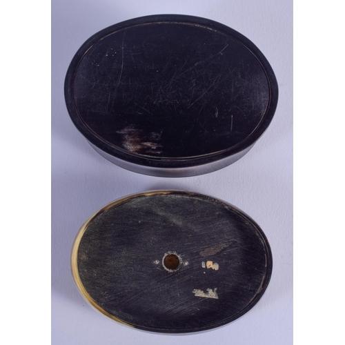 766 - AN ANTIQUE SCOTTISH HORN SNUFF BOX. 8 cm x 6 cm....