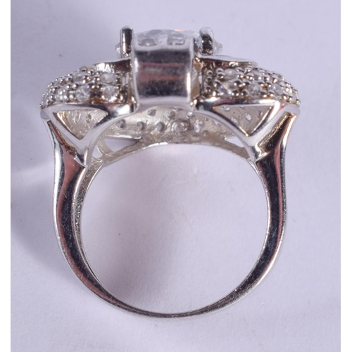 1190 - A SILVER CZ RING. O. 10 grams....