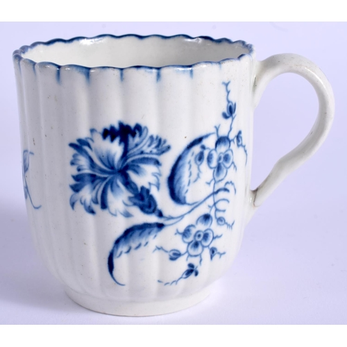 124 - A 18TH C. WORCESTER COFFEE CUP AND SAUCER painted with the Gilliflower pattern. Saucer 12.5cm wide...