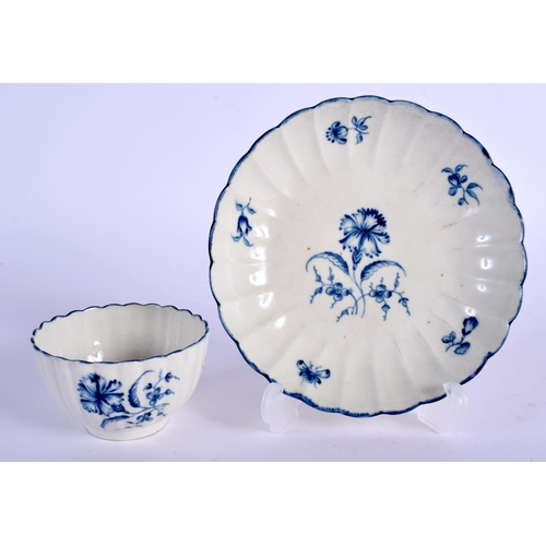 131 - A 18TH C. WORCESTER TEABOWL AND SAUCER painted with the Gilliflower pattern, script 'W' mark. Saucer...