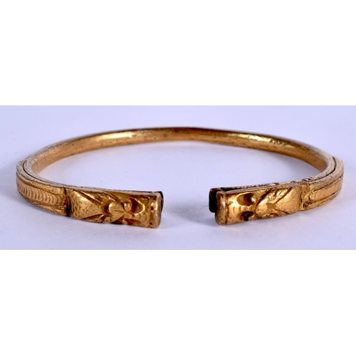 1683 - AN 18TH CENTURY CHINESE GILT BRONZE SNAKE BANGLE Qing. 7.5 cm wide....