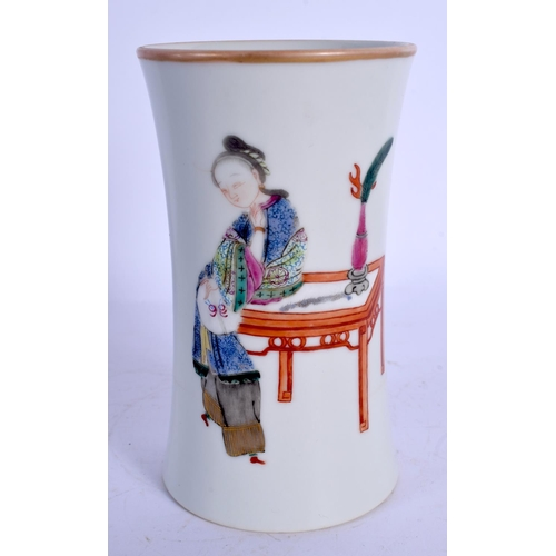 1751 - A LATE 19TH CENTURY CHINESE FAMILLE ROSE PORCELAIN VESSEL Guangxu, bearing Daoguang marks to base. 1...