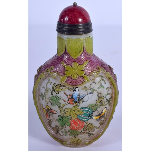 1755 - A CHINESE PEKING GLASS ENAMELLED SNUFF BOTTLE Late Qing. 7.5 cm high....
