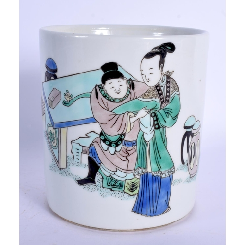 1787 - A RARE 19TH CENTURY CHINESE FAMILLE VERTE PORCELAIN BRUSH POT Kangxi style. 11 cm high....