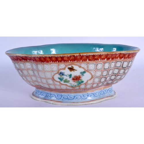 1827 - A 19TH CENTURY CHINESE FAMILLE ROSE LOBED BOWL painted with flowers. 18 cm x 15 cm....