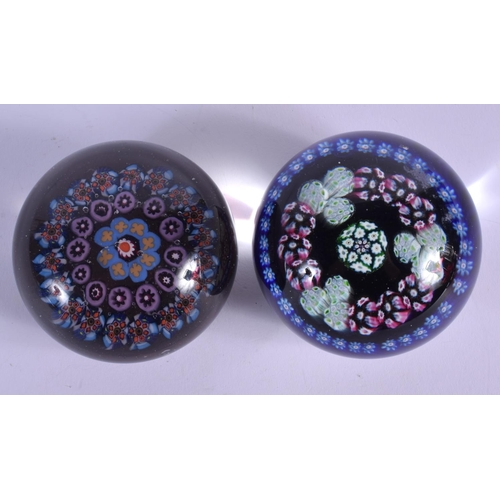 20 - TWO EUROPEAN GLASS PAPERWEIGHTS. 6.5 cm wide. (2)...