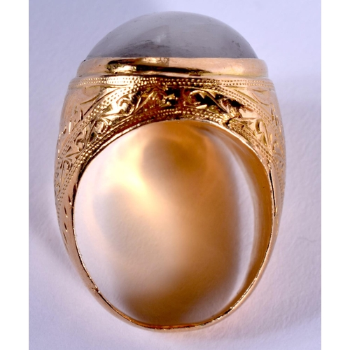 2034 - AN EARLY 20TH CENTURY CHINESE 22CT GOLD AND PALE JADEITE RING. R/S. 18 grams....