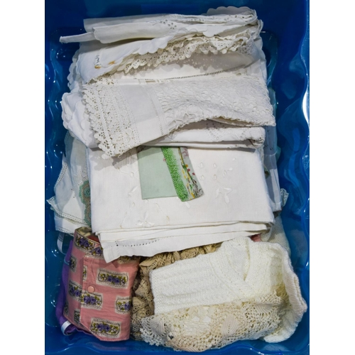 4150 - collection of vintage linen and wool  items Qty....
