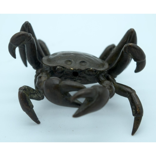 4377 - A small Japanese bronze crab 6cm....