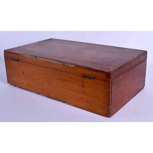 607 - A RARE DAYSON & HEWITTS STOCK BREEDERS MEDICINE CHEST. 46 cm x 28 cm....