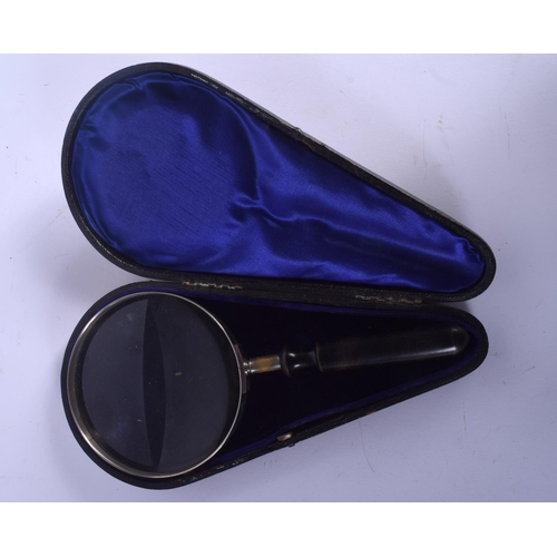 681 - A VICTORIAN WOOD HANDLED MAGNIFYING GLASS within original case. 23.5 cm long....