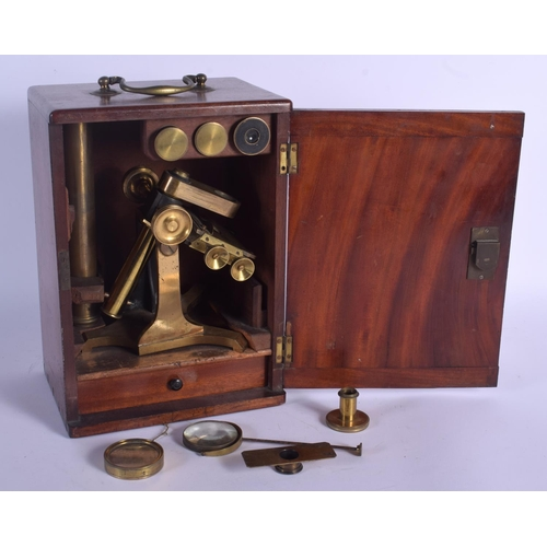 722 - AN ANTIQUE BRASS MICROSCOPE. Box 28 cm x 14 cm....