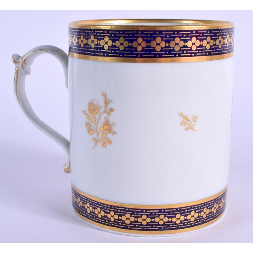 82 - LATE 18TH/EARLY 19TH C. FLIGHT BARR MUG gilded with blue bands and gold flowers...