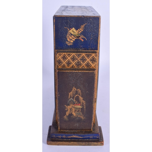 865 - A GEORGE III STYLE BLUE LACQUER CHINOISERIE LACQUERED MANTEL CLOCK painted with figures. 17 cm x 19 ...