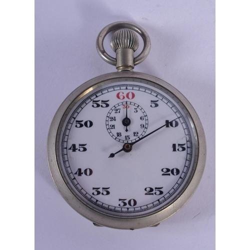 913 - A MILITARY STOP WATCH. 4.5 cm diameter....