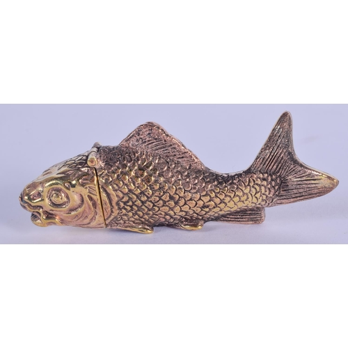 993 - A BRASS FISH VESTA CASE. 7 cm wide....