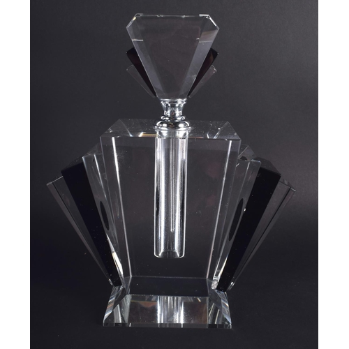 37 - AN ART DECO STYLE BLACK AND CLEAR GLASS SCENT BOTTLE. 24 cm x 13 cm.