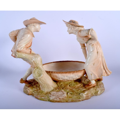 62 - A LARGE 19TH CENTURY HADLEYS ROYAL WORCESTER BLUSH IVORY FIGURAL GROUP modelled as a boy and girl ho...