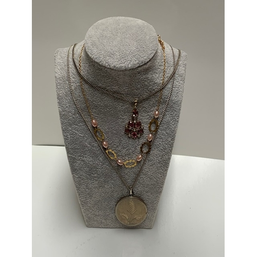 92 - 9 silver & other necklaces and qty vintage earrings