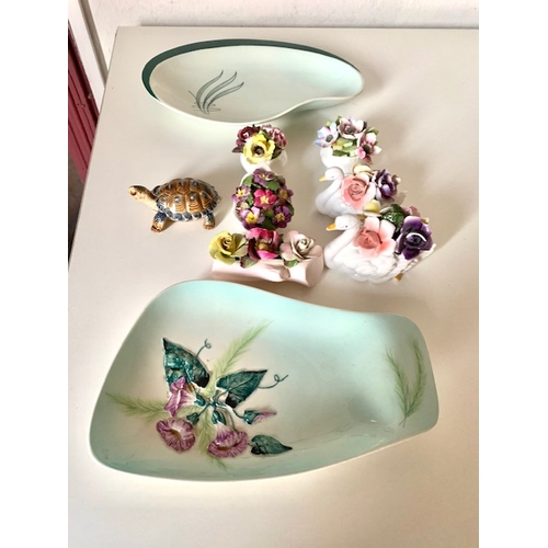 17 - 2 Carltonware Plates, Wade Tortoise and 6 various posies